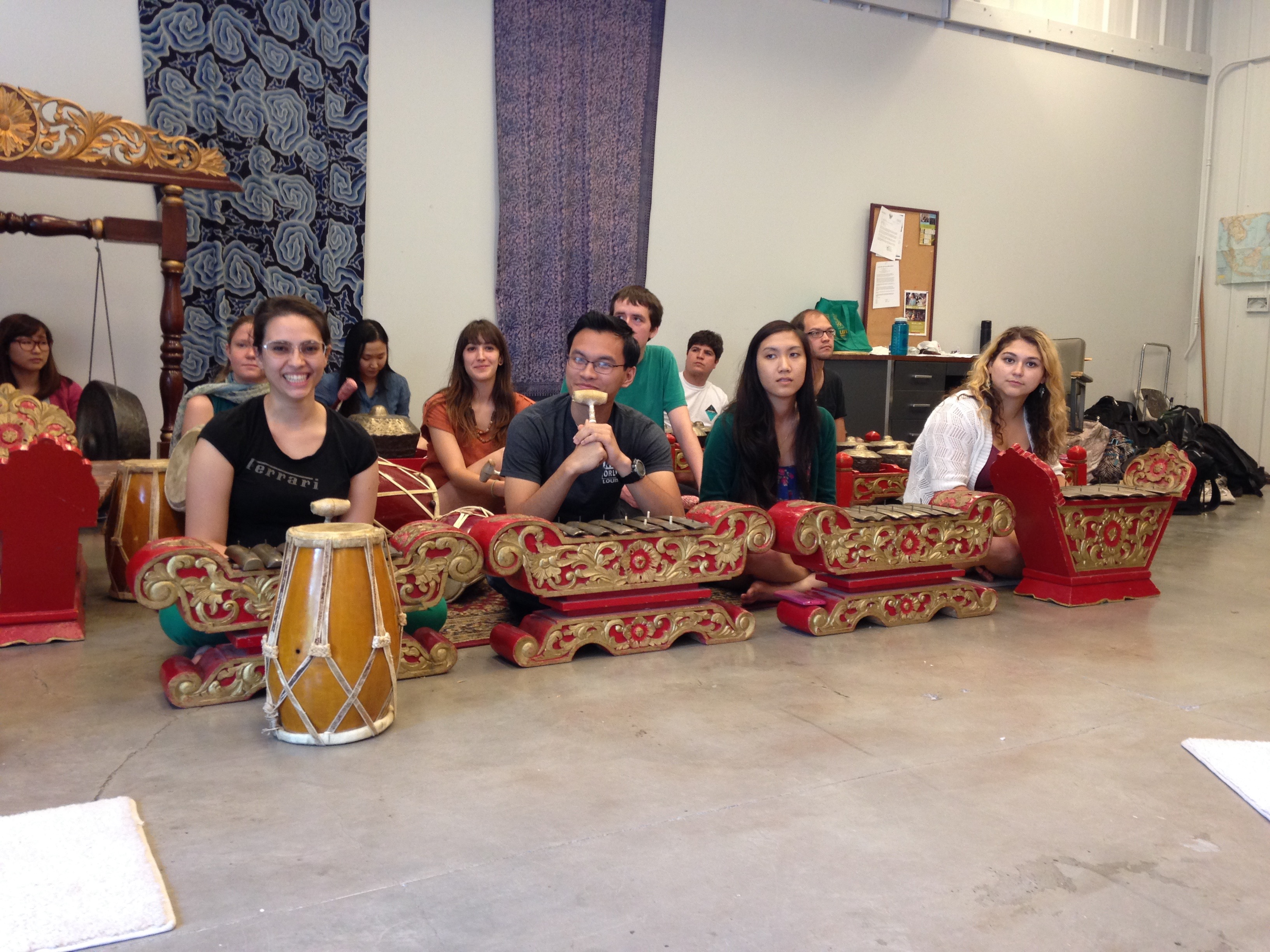 Performing Gamelan. Gillian Irwin, 2015.